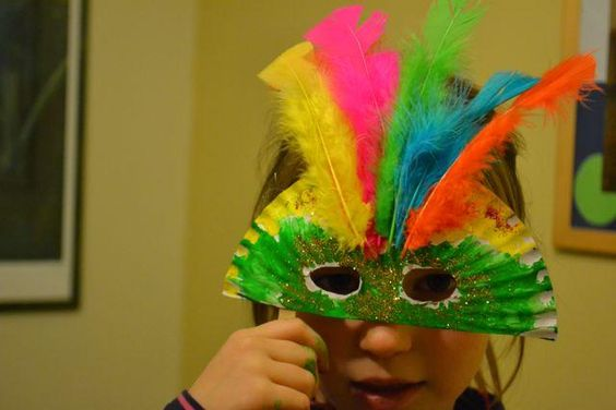 Masks easy kids crafts and mardi gras masks on pinterest for Mardi gras masks crafts