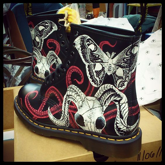 Customised 1460 Boots by former Dr. Martens apprentice, Frankie. Illustrated by hand.