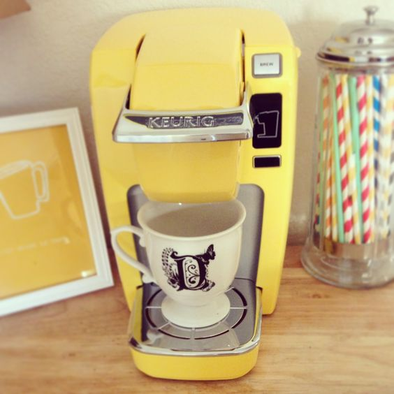 yellow keurig <3 This would be so perfect in m kitchen! :)