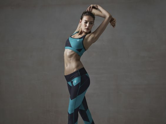 Stretch and Strength  ☆ Womens Super Day FItness Top & Legging  #perfectmomentactive #ss16