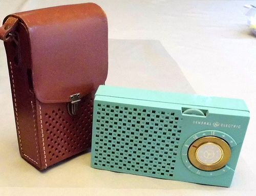 Vintage General Electric 5-Transistor Radio, Model 678 (Aqua), GEs First Commerically Produced Transistor Radio, Made in the USA, 1955.