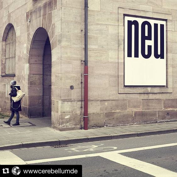 Es ist mal wieder Freitag und Zeit für unser #NürnbergBildDerWoche.  Seit rund zwei Wochen gibt es in Nürnberg einen Instagram-Kanal von Wolfgang (@wm70) der sich ausschließlich mit Straßenfotografie in unserer Stadt beschäftigt: @nuernberg_unposed  Das ist sicherlich - neben dem manchmal besseren Wetter - auch ein Grund warum im März deutlich mehr #streetphotography -Bilder auch unter #nuernberg_de aufgetaucht sind.  Daher fiel die heutige Auswahl auch auf ein Straßenbild von Gerald…