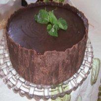 Chocotorta de Maracujá com Calda de Chocolate