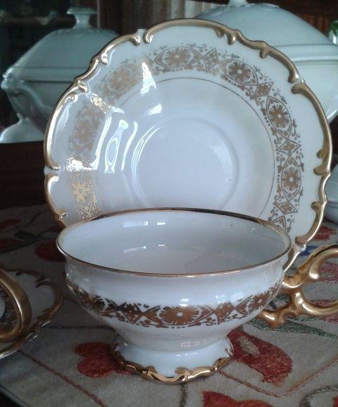 My mother-in-law's British porcelain tea cups / Kayınvaldemden kalma İngiliz porselen çay fincanları... Feride Özmat - Istanbul / Turkey
