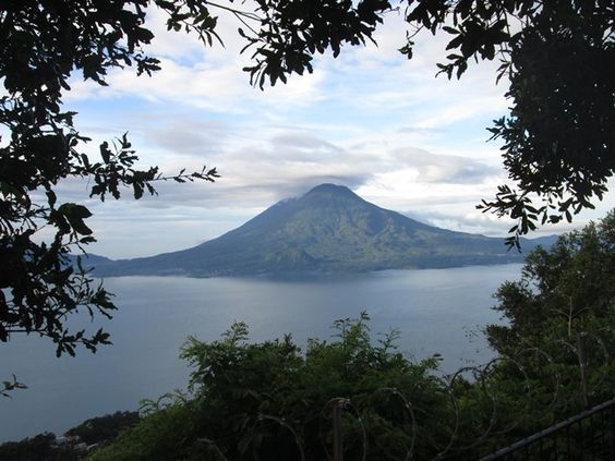 Lago de Atitlan, Volcán Atitlan, Volcán Toliman, Nido del aguila, Sololá, Guatemala <3