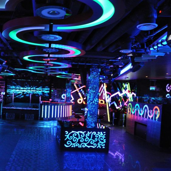 Very interesting effect used in this place like you are in the very interesting effect used in this place like you are in the photo idea for night club night club pinterest night club neon and bar malvernweather Gallery