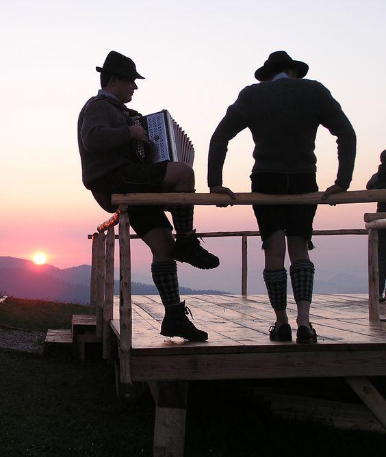 Musiker beim Sonnenuntergang  #Musiker #Sonnenuntergang #Sunset #Berge #Alpen #Garmisch #Partenkirchen