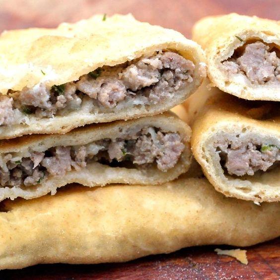 La Bartesch en București.  comida turca con carne de res y de cordero.  http://www.onfan.com/es/especialidades/bucharest/la-bartesch/la-bartesch?utm_source=pinterest&utm_medium=web&utm_campaign=referal
