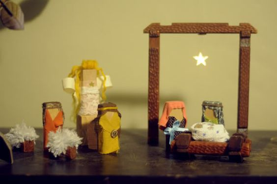 the polished pickle: Easy home-made nativity.