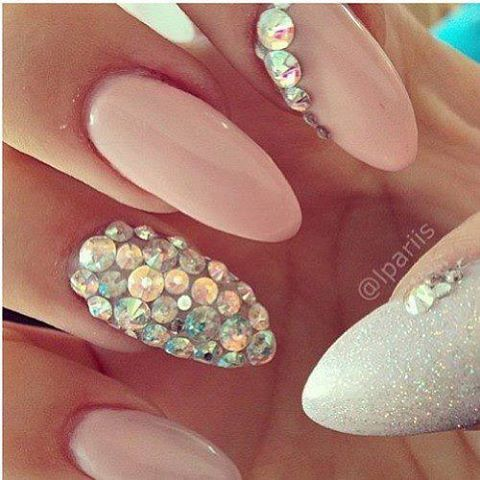 feminine nail deisgn with berg crystal decoration