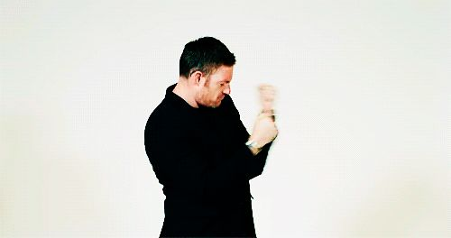 Happy Tuesday! Didn't you need Tahmoh Penikett dancing on your board? Meet him at #SLCC16! #utah