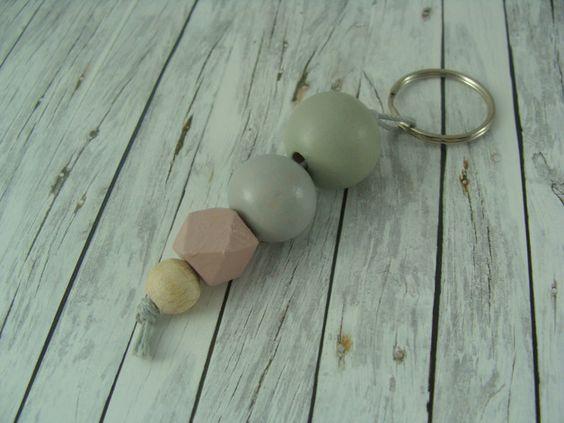Schlüsselanhänger - Schlüsselanhänger Holzkugeln rosa mint grau - ein Designerstück von buntezeiten bei DaWanda