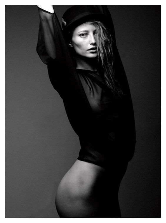 Noot Seear by Mark Squires: Lusty Curves, Note Seear, Beautiful Women, Shoot Inspirations, Chasing Photography, High Fashion, Fashion Inspiration, Charming Greyscale, Photoshoot Ideas