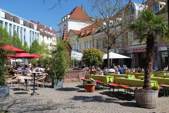 Trink ein Getränk auf dem Ludwigsplatz, Have a drink at Ludwigsplatz