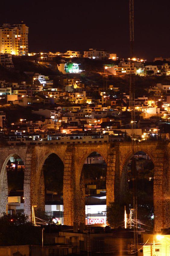 fotos de queretaro moderno. Acueducto de noche.: