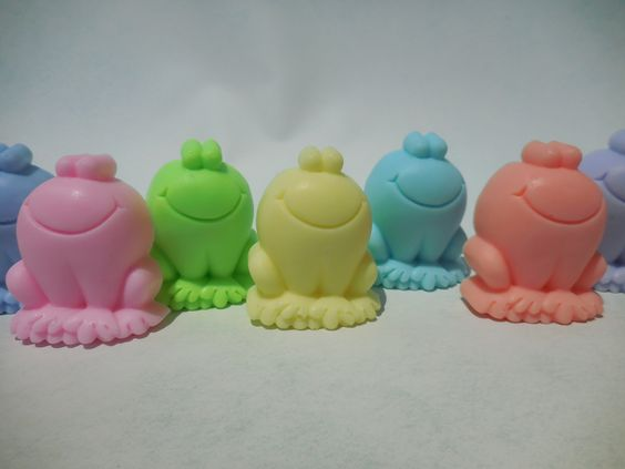 Frog Soaps (5 pk) - Frog Party Favors - Frog Birthday - Fun Soap For Kids - Unique Gift - Childrens School Party - Sleepover Party Favor by CindysBathCreations on Etsy