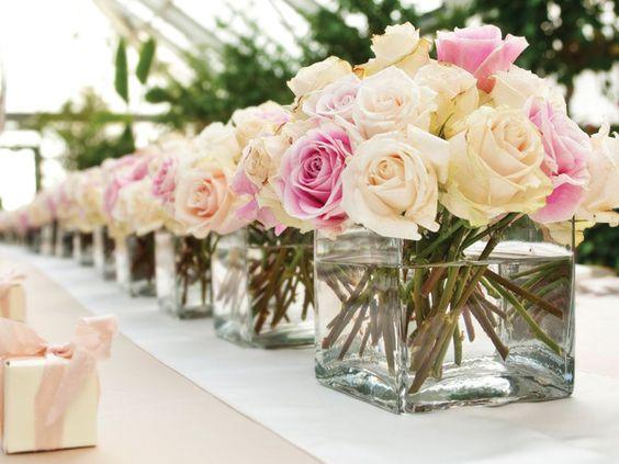 Centro mesa boda sencillo rosa y blanco