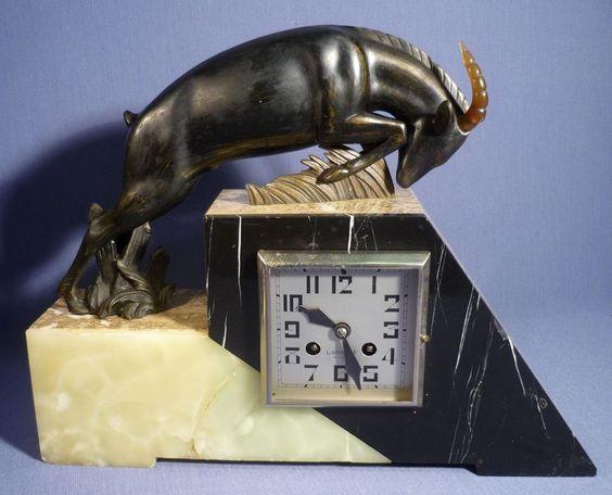 Alte Kamin Uhr Bronze Skulptur Steinbock Gazelle Springbock Marmor Art Deco 20er