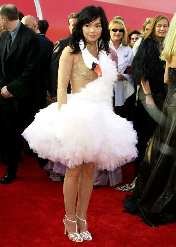 • oscars bjork swan dress marjan pejoski ohdaesusie •