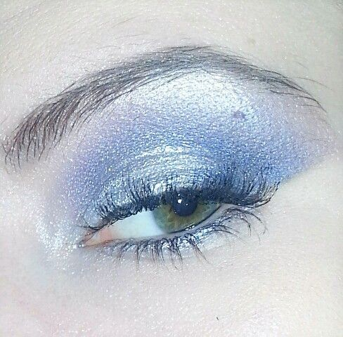 Purple and silver eyeshadow urban decay vice 2 palette.