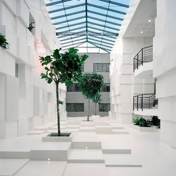 In edit architecture bureaux vitry sur seine arbres for Immeuble bureau architecture