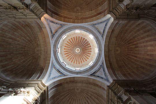 Panteão Nacional/ Igreja de Santa Engrácia - architect João Antunes, Lisbon, Portugal by 10b travelling on Flickr.