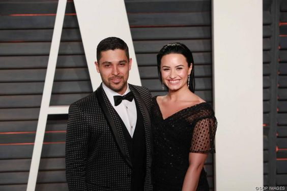 Nach Wilmer Valderrama: Ist Demi Lovato wieder frisch verliebt?: Die hübsche Sängerin soll ein Auge auf den UFC-Kämpfer Luke Rockhold geworfen haben - http://ift.tt/2bWvm5O