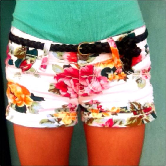 floral: Floral Prints, Floral Patterns, Floral Shorts, Print Shorts, Dream Closet, Cute Shorts, Flower Shorts, Flowery Shorts