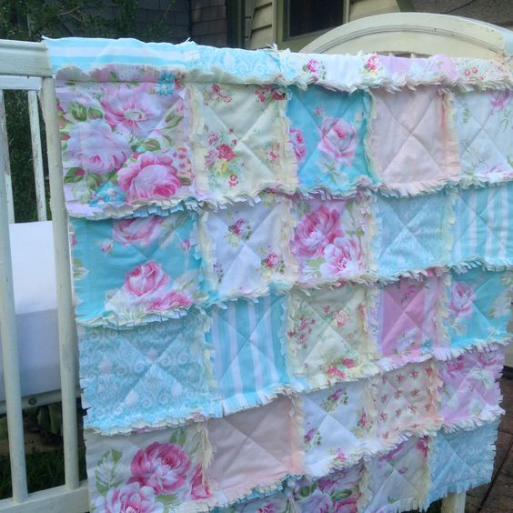 couette b b b b fille rose bleu lit rag quilt jaunes shabby chic ivoire pastels lit literie. Black Bedroom Furniture Sets. Home Design Ideas
