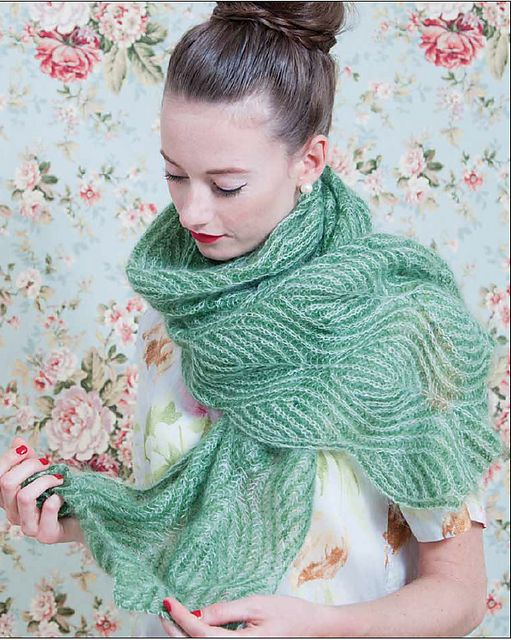 Knitting Nancy Patterns : Ravelry: Willow pattern by Nancy Marchant, two-colour brioche hand knitted ...