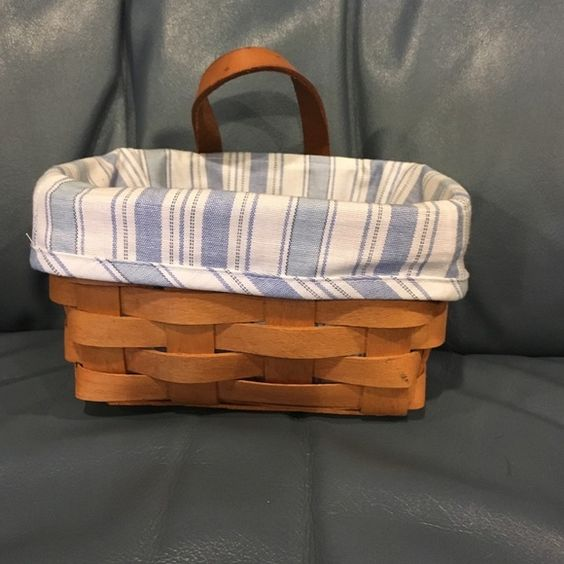 Small Longaberger basket Blue pinstriped liner and small Longaberger hanging basket! Other