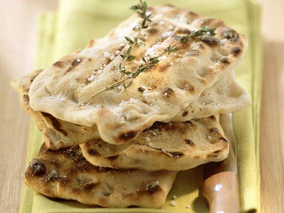 Italienische Fladenbrote - smarter - Kalorien: 385 Kcal - Zeit: 30 Min.   eatsmarter.de