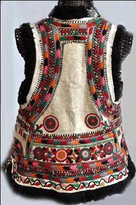 Кожена жилетка с бродерия началото на 20-ти век румънски (info@singkiang.com)