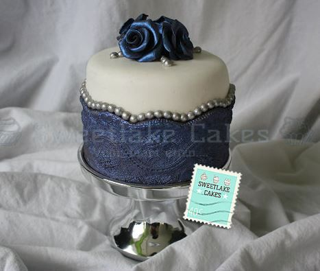 Blue Rose Mini Cake