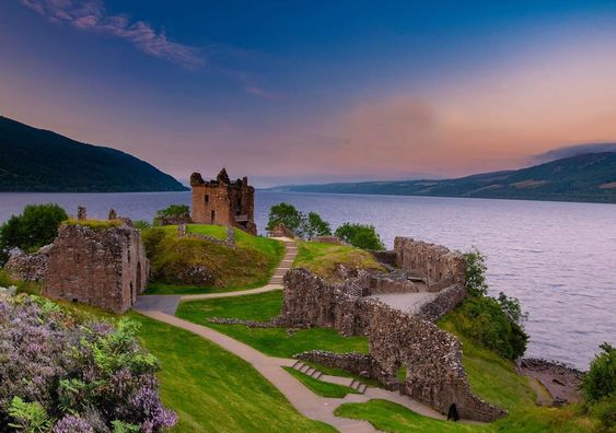 """Cliff hands on Instagram: """"A sunset Urquhart Castle on the Banks of Loch Ness. @visitscotland #visitscotland #thisisscotland #lochness #urquhartcastle…"""""""