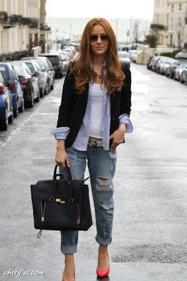 Boyfriend jeans + black or white jacket