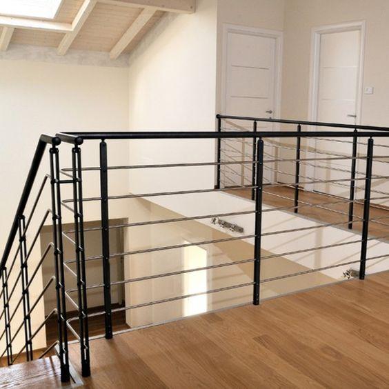 l 39 efficacit et la sobri t d 39 un garde corps m tallique double lame design assur retrouvez. Black Bedroom Furniture Sets. Home Design Ideas