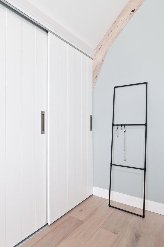 DIY: black clothes rack of tubes | Make-over door Corrien Flohil | aflevering 4 vtwonen-doe-het-zelf