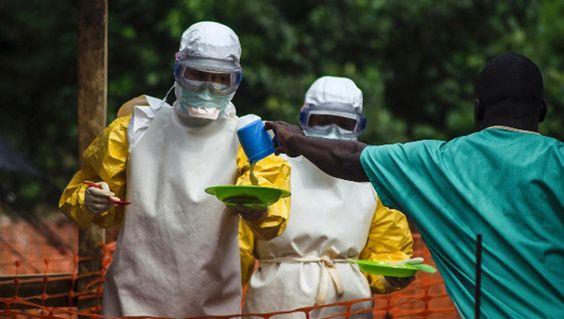 Laut WHO fielen im Jahre 2014 mehr als 11.000 Menschen dem Ebolavirus zum Opfer. Präsident Obama warnte vor weiteren hunderttausenden Toten, sollte man nicht mit geballter Kraft der amerikanischen …