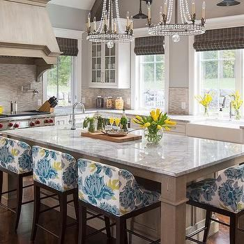Wood Grain Like Tiles with Wire Brushed Oak French Kitchen Hood
