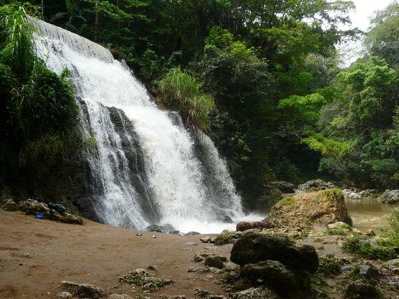 Cascada @ Río Tanamá en Arecibo.