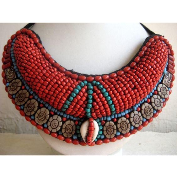 Kropf- & Halsbänder - Coral Perlen böhmischen Halskette - ein Designerstück von AccessorizeMoi bei DaWanda