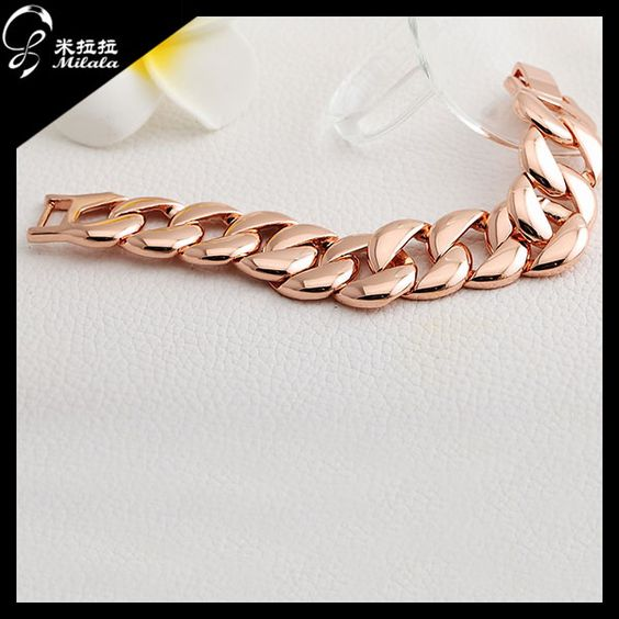 gold bracelet ,it is very fashion in Europe.