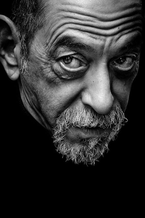 50 Most Strange & Haunting Black and White Portraits ...