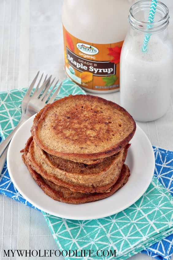 Snickerdoodle Pancakes @FoodBlogs