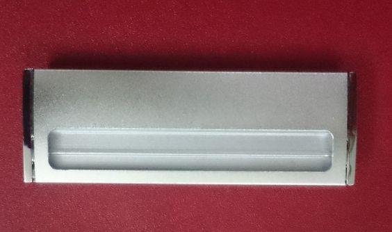 thẻ nhân viên đổi tên kim loại mạ bạc