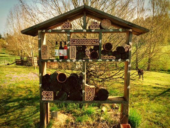 Unser Landparty Insektenhotel wartet auch auf neue Bewohner...