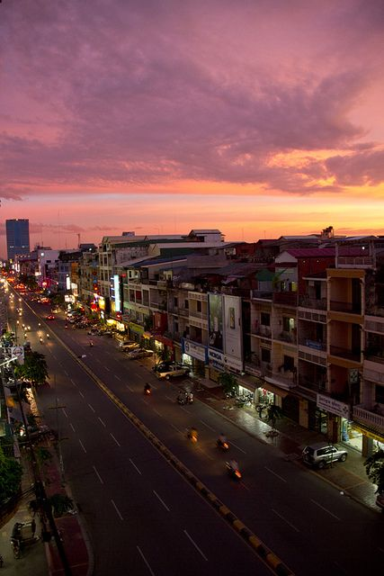 http://www.greeneratravel.com/  Phnom Penh, Cambodia - Sunset 1 | Flickr - Photo Sharing!