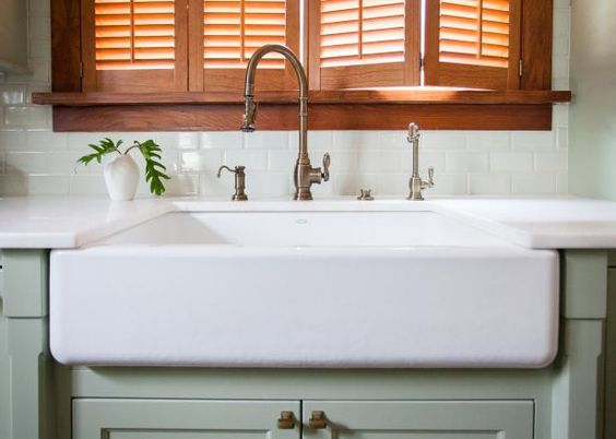 ... farmhouse sinks farmhouse kitchens aprons diy network sinks porcelain