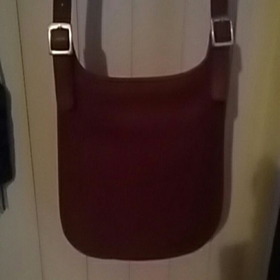 Crossbody COACH HANDBAG Red coach crossbody,  excellent condition, 10 ×9-1/2×5, rich red color. . Coach embossed label inside. Edition 9285. Inside zippered pocket. NO TRADES OR PP! Open to offers!  No lowballs! !! Coach Bags Crossbody Bags